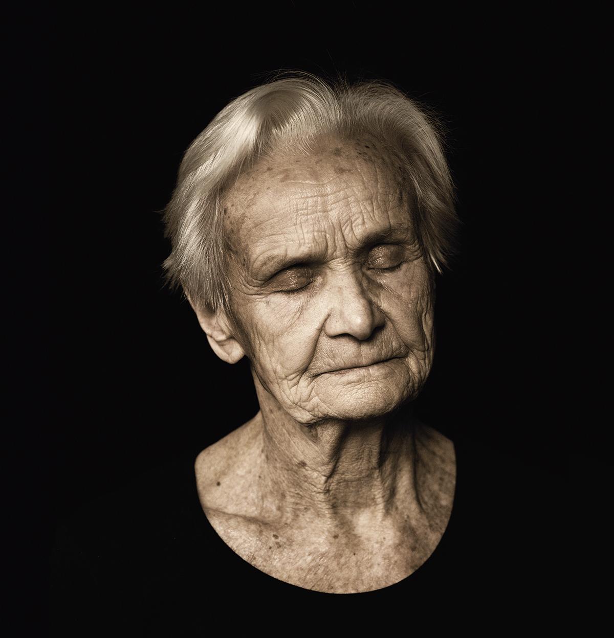 isabel-kronenberger-unknown-identity-02