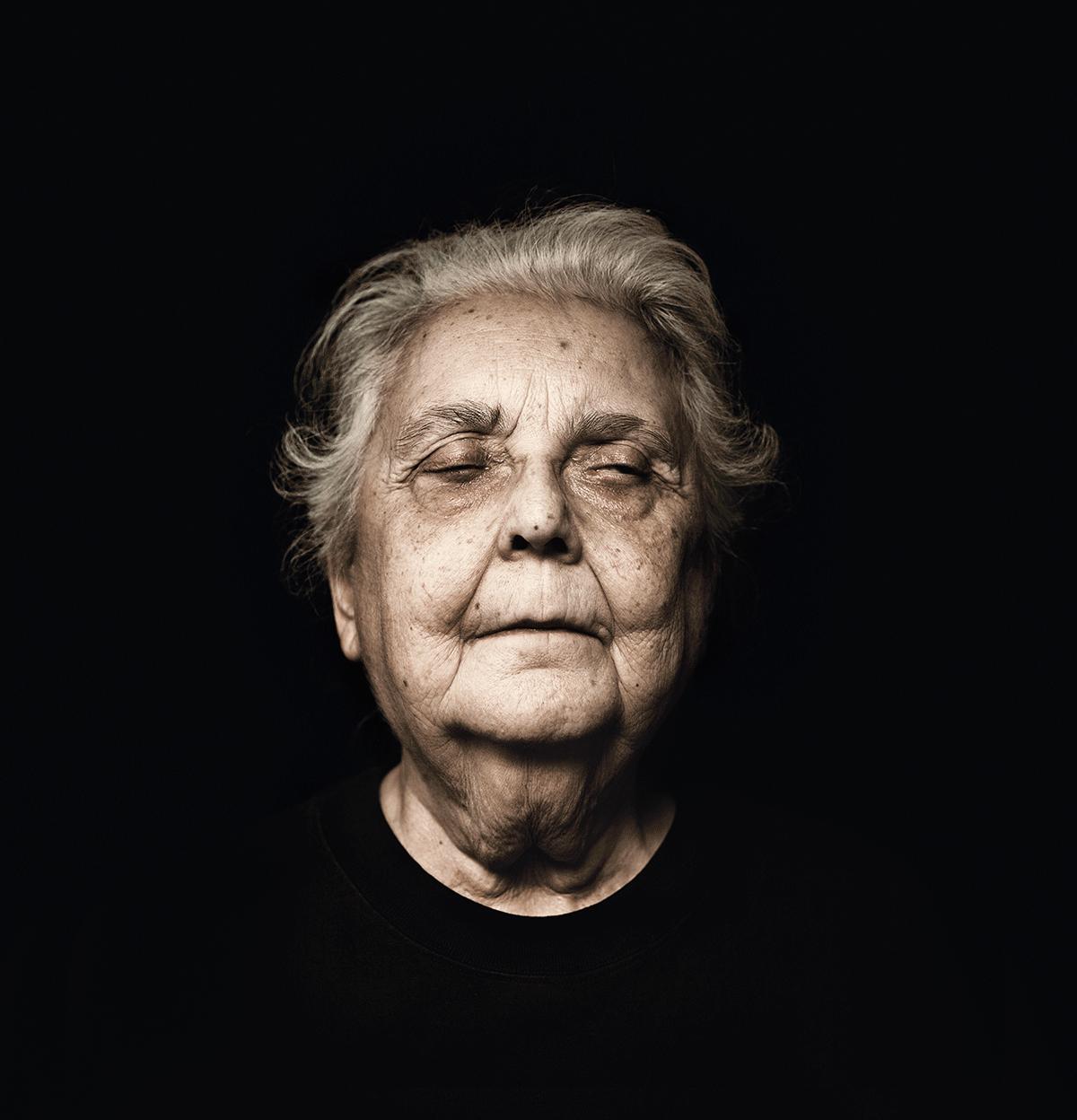 isabel-kronenberger-unknown-identity-05