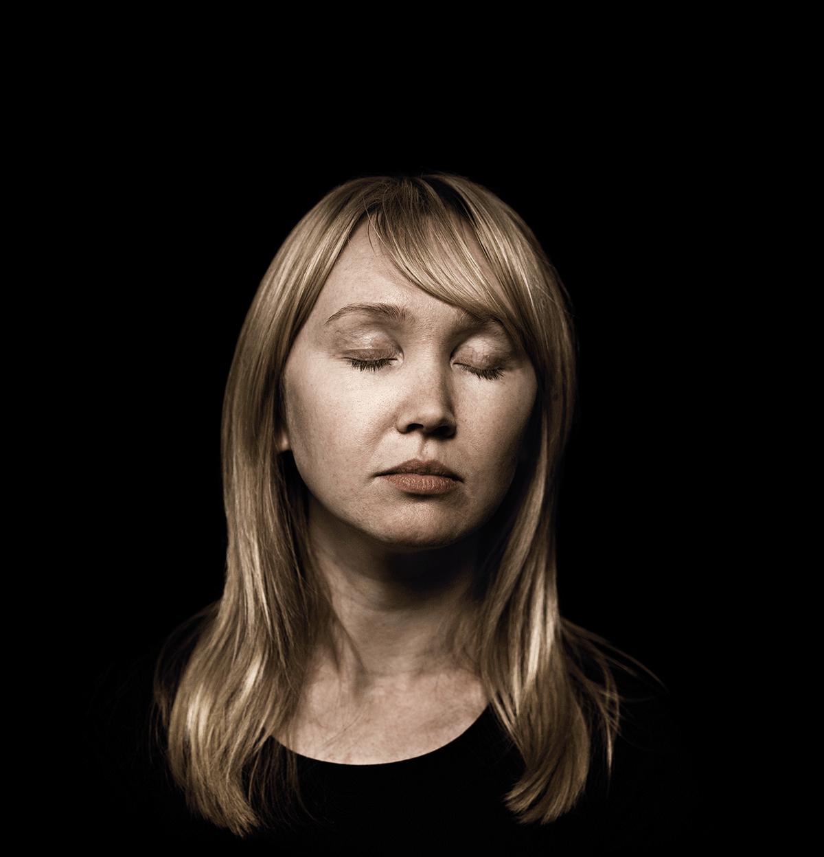 isabel-kronenberger-unknown-identity-07