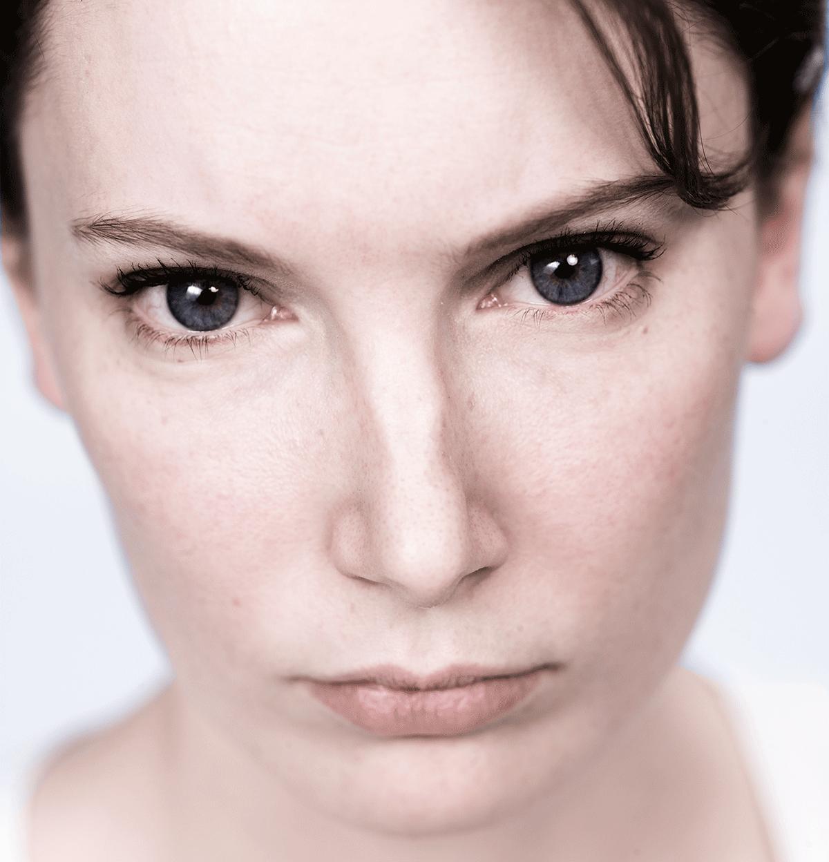 isabel-kronenberger-unknown-identity-10