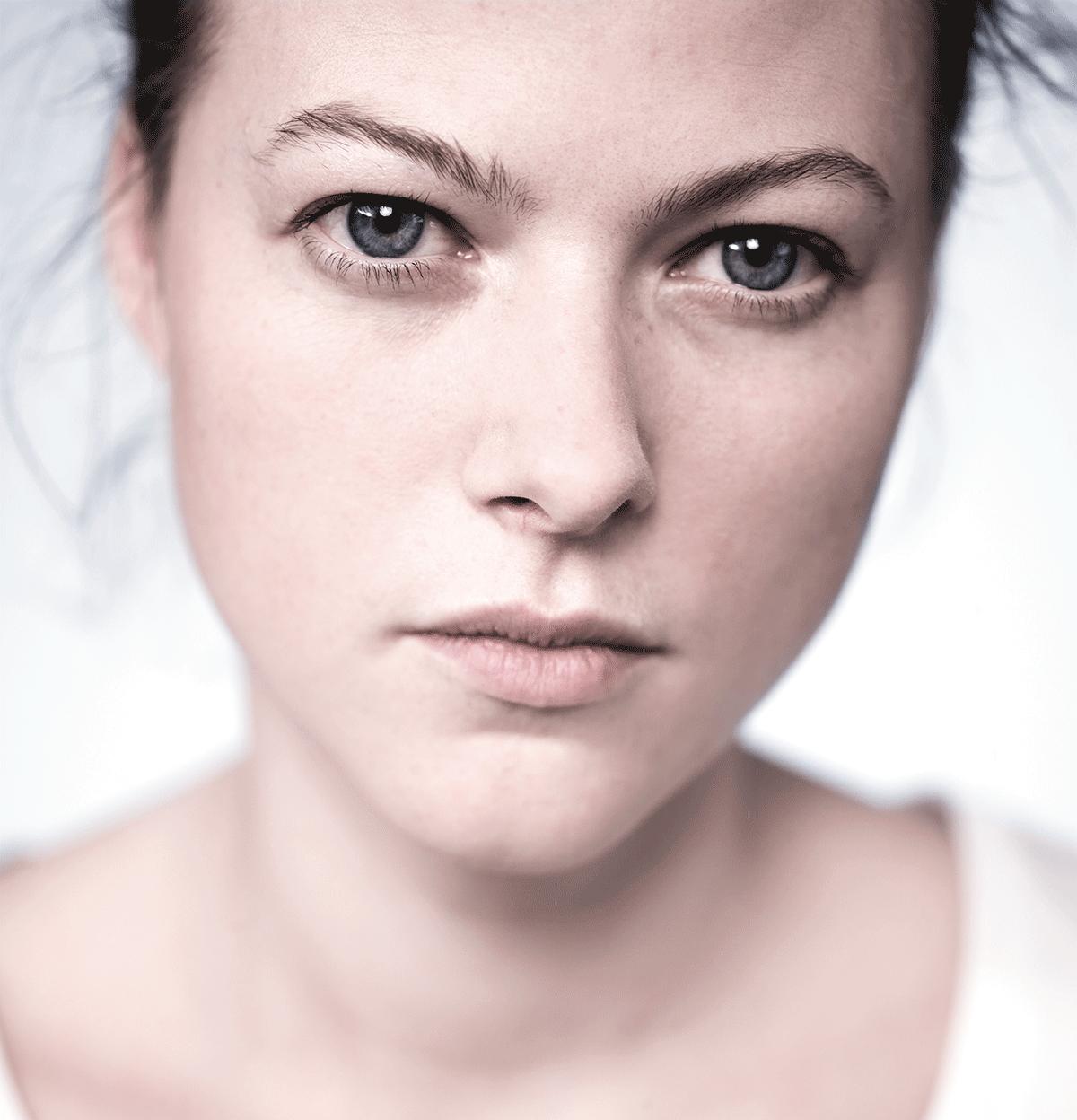 isabel-kronenberger-unknown-identity-11